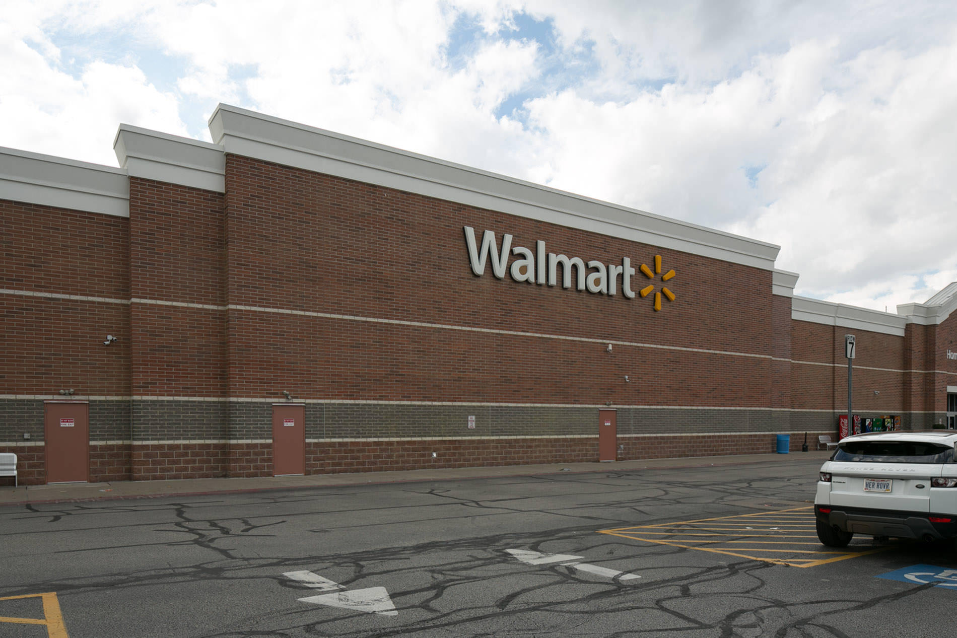 Wal-Mart Before Exterior Photograph